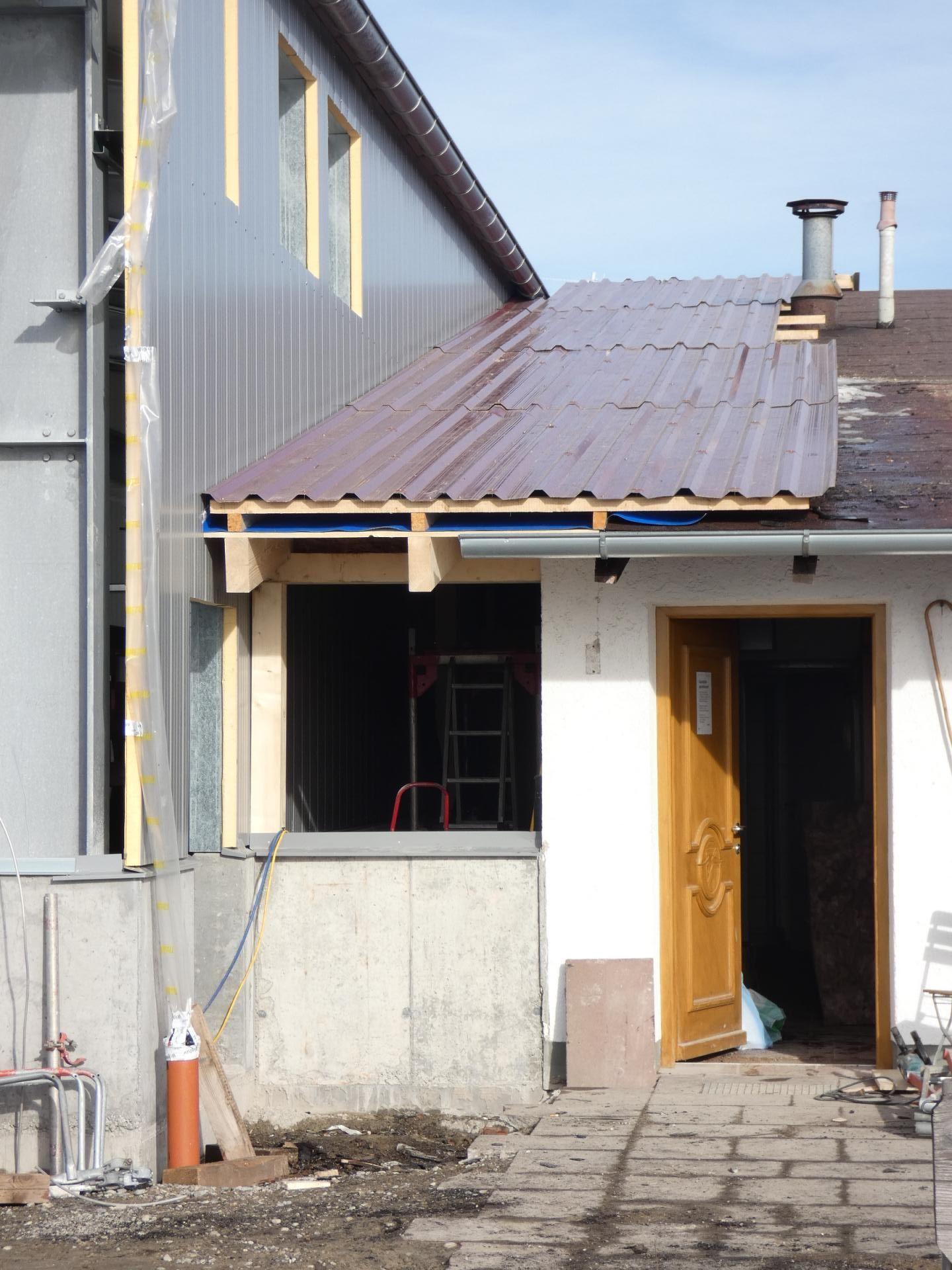 Verbindung neue Halle und alter Bau 04